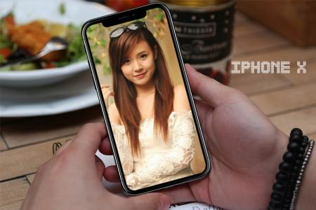 Create impressive iPhone X picture frames