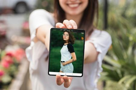 Samsung Galaxy Fold Screen Photo Frame