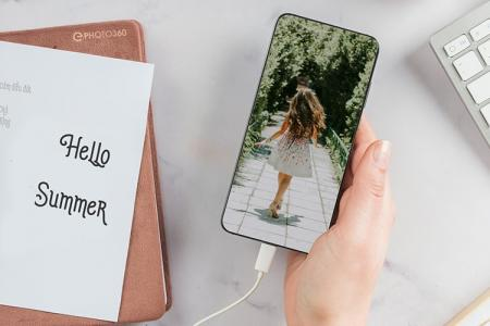 Diary and smartphone photo frame